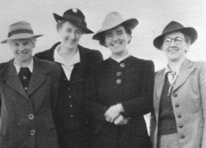Four pioneer women of Missionary Sisters of Service